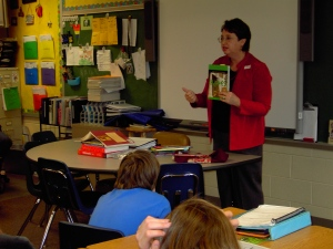 Speaking to 5th graders at Park El. School in Fairmount. Photo by Cathy Shouse.