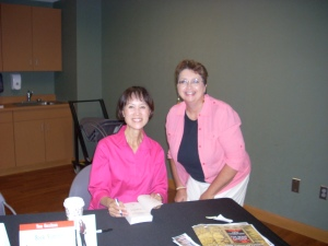 Best-selling author Tess Gerritsen poses with me during a book signing.