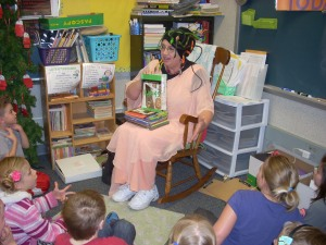 2nd graders at Bluffton Elementary School loved their visit from Medusa!