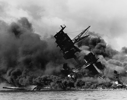 pearl-harbor-ship-exploding